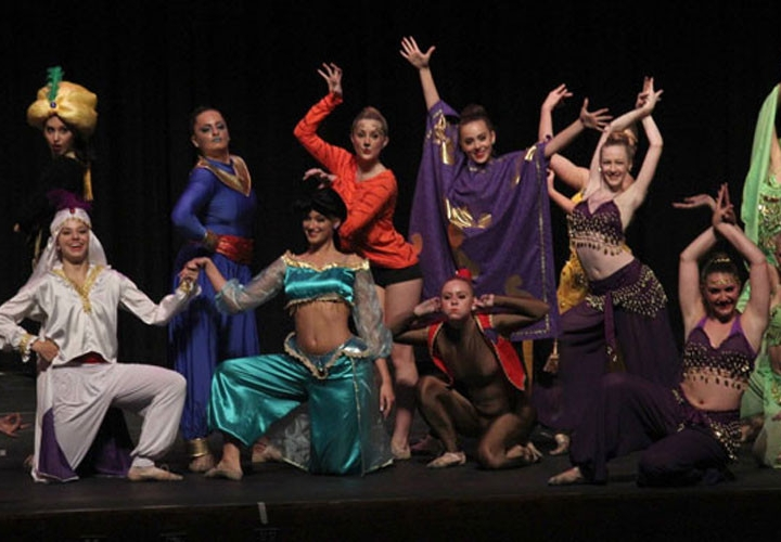 Aladdin_GroupPose1